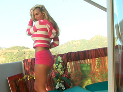 Slender blonde Tommie Jo gets pleasure from her trimmed pussy