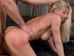 Pornstar blonde Lara De Santis is sucking so deep