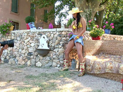 Busty cowgirl Stacy Da Silva in flawless outdoor session