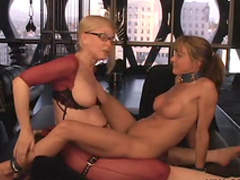 Sensual BDSMM scene with Nina and submissive babe
