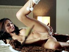 Goddess shows off her slender body