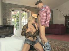 Big-tit blonde Carol Ferrer shows her skills