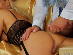 Bleached chick was fucked by two hard dicks