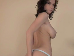 Milf Missy Preston shows her nice ass in close-up