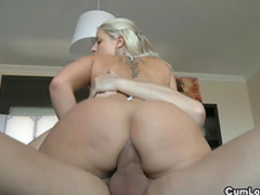 Bleached chick craves to get cock in her anal