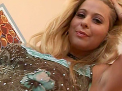 Curvy Katerina Hovorkova rubs her pussy with toys