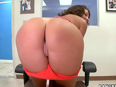 Ass show and steamy sex