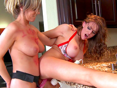 Carolyn Reese and Eve Laurence are two slutty babes