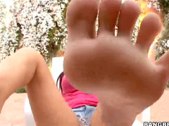 Sexy outdoor footjob and play
