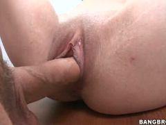 Get sex from shaved girl