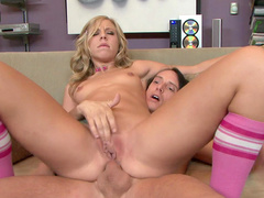 Sexy blonde Chastity Lynn is riding on the dick