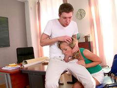 blonde Vanda sucks two hard dicks in the same moment