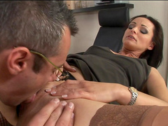 Milf Cameron Cruise is fucking with her nice boss