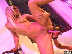 Cute beauty Frankie Dashwood pokes he sister's pussy