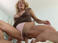 Irresistible hairy pussy on milf