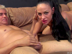 Big-titted babe Porno Dan makes a pretty blowjob