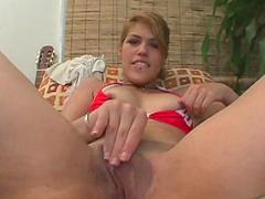 Cherrie Rose is demonstrating hot she masturbating
