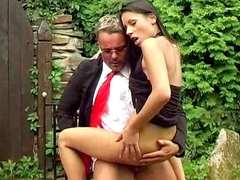 Paola fuck in her ass in the garden