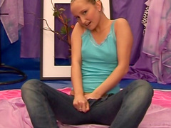 Victorious Twigy reaching orgasm and playing with her tight pussy
