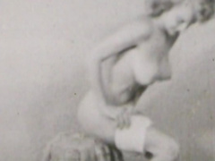 Big-tit model poses topless so cute