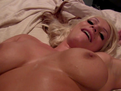 Johnny Castle and Sadie Swede are fucking in anal
