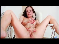 Toy fills hot milf cunt