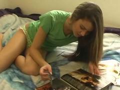 Jenny Reid takes off her green panties