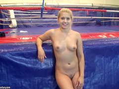Gorgeous wrestler is here to punish her lovely Brandy Smile