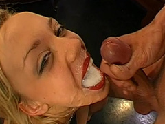 Annette is a blonde that loves cum in mouth and doggy style
