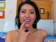 Asian girl blowjob gets him off
