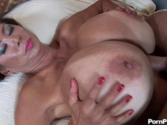 Big-titted babe Minka is making a nice titjob