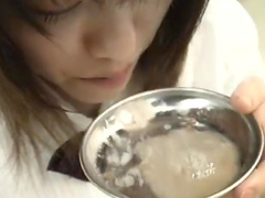 Sexy Japanese girlfriend eats cum and gets covered with fresh jizz