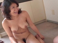 Hardcore babe is stretching her shaved pussy
