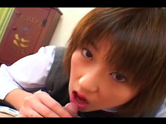 Shinobu Kasagi masturbates her lovely Asian pussy