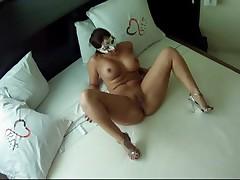 Amateur Latina slut shows her goods