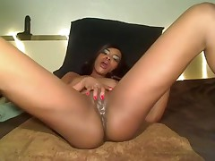 Ebony bitch jilled off her muff for me