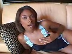 Ebony Jemeri first groupie debut!