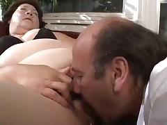 brunete cunt licking