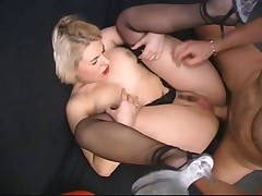 Anal Fucking in French Three-Some