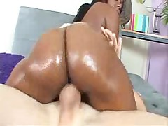 White guy and a big butted ebony slut get it on