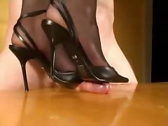 Ding-Dong trampling in High Heels