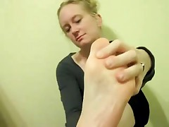 Smelly Toe Engulf