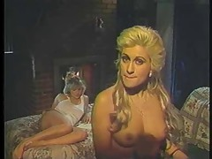 Blonde retro lesbian sluts kissing and licking cunts