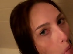 Sweet blowjob in the shower