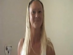 Blond Natalie sexed by 3 lads