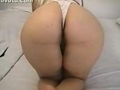 Wife Shows Round Booty