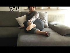Large Let Fly over my pantyhosed Feet