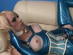 Sexy Tgirl Tara In Latex