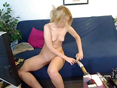 Golden-Haired chick Bella Banxx live sex machine web camera