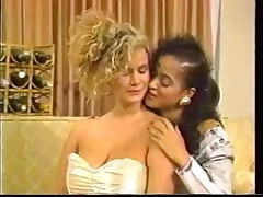 Blonde retro lady has her way with a younger lesbian